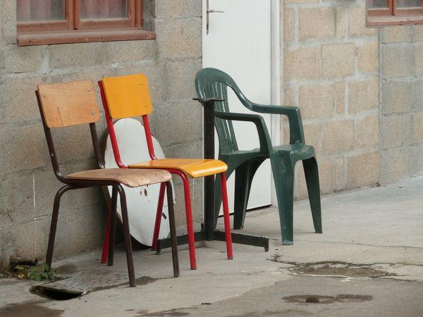 Ces chaises !