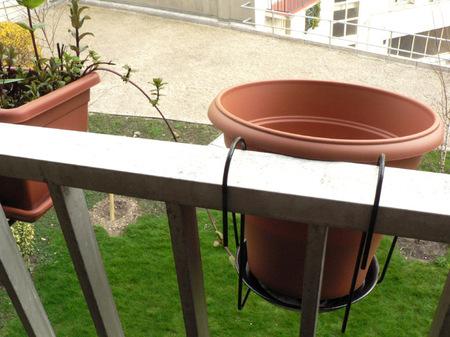 Comment r cup rer l eau de pluie sur un balcon courroie de transport - Gouttiere pour balcon ...