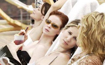 Girls_at_the_beach